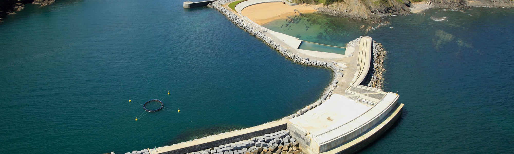 Grid-connected plant is integrated with and existing breakwater at Mutriku harbour